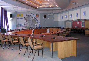 стулья и мебель для конференц-залов